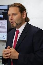 Professor Dr.-Ing. Enrico Stoll